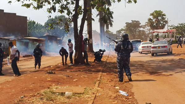 Jinja Police 10915 P1
