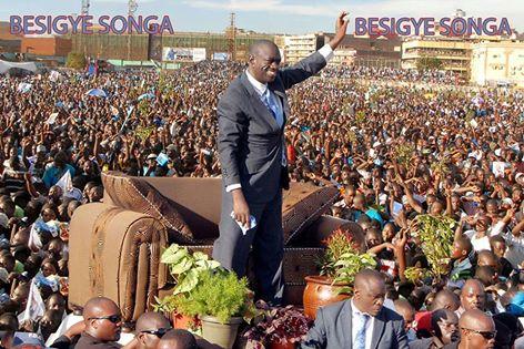 Besigye 041115
