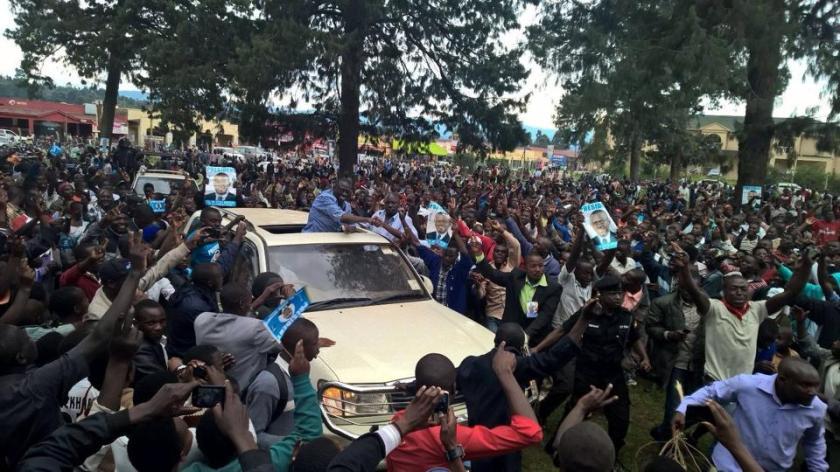 Kizza Besigye 111115 P1