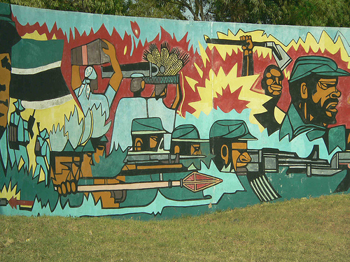 12_maputo_art_wall_depicting_the_troubled_past_photo_mozambique___moments