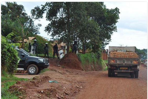 Besigye 04.05.2016 House Arrest