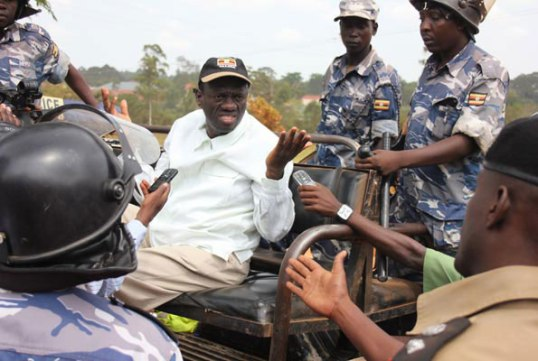 Besigye 2011 W2W Arrest
