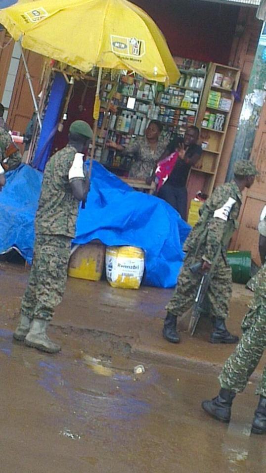 Kampala 0505.2016 Rain Moses