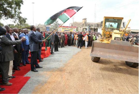 Uhuru 10.06.2016 P1 Road